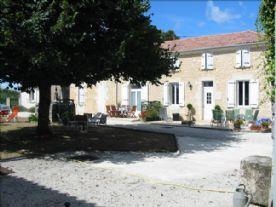 property in Plassac