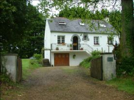 property in Plonévez-du-Faou