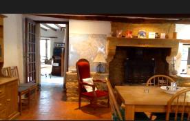 Dining area towards lounge