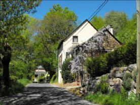 property in St-Geniez-d'Olt