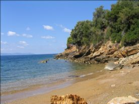 Secluded cove 200m away from Aquilo