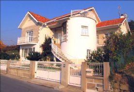 property in Riba De Mouro