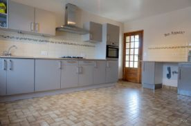 Fully fitted German kitchen