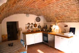 Kitchen vaulted brick ceiling