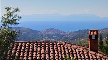 property in Laureana Cilento