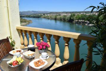 property in Mora De Ebro