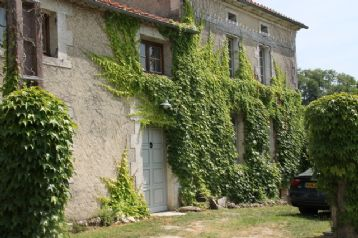 property in Bouteilles St Sebastien