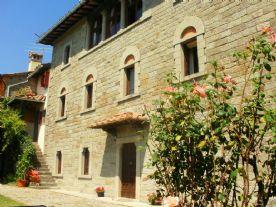property in Caprese Michelangelo