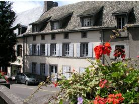 property in La Tour-d'Auvergne