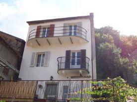 property in Pontremoli